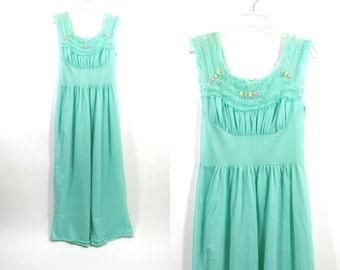 Vintage 40's Sea foam ruffles lingerie nightgown Size 36