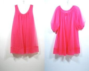 Vintage Vanity Fair Nightgown Robe Peignoir Negligee set 2 piece Hot Pink baby doll Medium / M