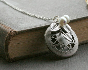 Locket, silver locket necklace, jewelry gift, vintage style locket, nature inspired locket,leaf, gift for her, bridesmaid necklace - Amelia