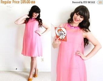 ON SALE 1960's Dress / Pink 60s Mod Dress / Valentines Day Dress