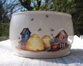 Bee Hives & Birdhouses Ceramic Yarn Bowl / Yarn Holder