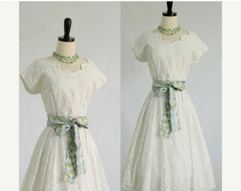Vintage 1950s Dress 50s Dress Mid Length Wedding Dress with Sleeves White Lace Dress 50s Party Dress Full Skirt Cocktail Dress Small Medium