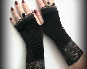 Black glamour  velvet fingerless gloves with lace