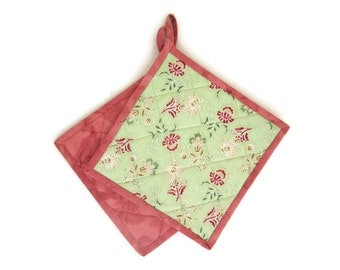"""Quilted Potholders Set of 2 """"Fantasy Floral"""" Handmade Fabric Hotpads, Quiltsy Handmade, Lime Green Quilted Trivet"""