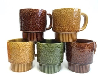 Set of 5 Vintage Daisy Stackable Coffee Mugs Made in Japan 70s