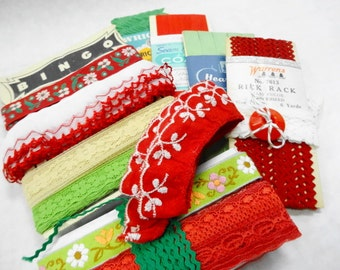 Vintage Novelty Trims Sewing Notions BIG Lot Christmas Holidays Theme Crafty Destash DIY Projects