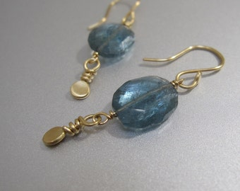 Solid 18k Gold Moss Aquamarine Earrings