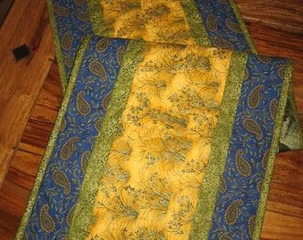 Quilted Table Runner, French Country Blue & Yellow, Reversible Tablerunner, Blue Paisley Flowers, Summer Runner, Spring