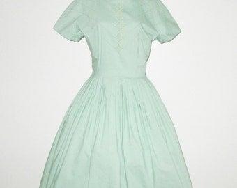 Vintage 1950s Green Dress With Applique Design - Size M, L