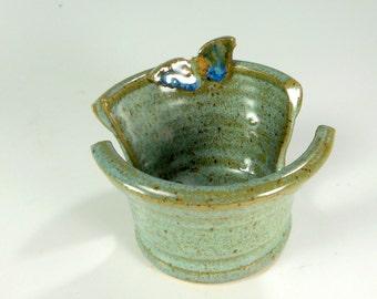 Ceramic sponge holder, pottery sponge keeper, stoneware sponge dish, pottery sponge holder, kitchen sponge holder with butterfly, blue glaze