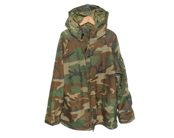 Vintage Army Issue Hooded Cold Weather Camouflage Parka Made in USA - Medium / Long