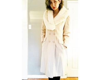 Beautiful 1970s 1960s Hollywood Glam Cream White Wool Penny Lane Fur Jacket Coat