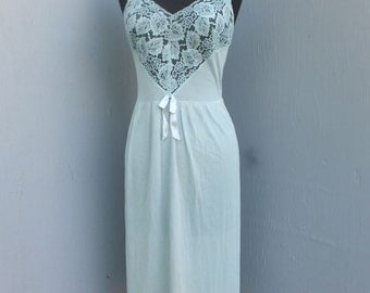 Vintage Nightgown, Lady Andrea, Pretty Turquoise Nightgown, Lace bodice,  sz. Small,  34 or 86 cm Bust