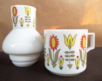 Vintage Retro Mod Flower Power Stackung Teapot Carafe and Cup