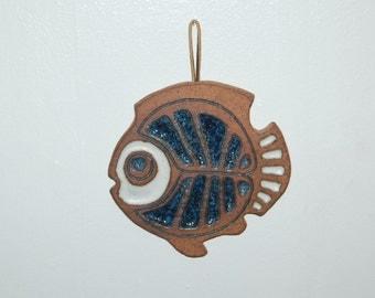 Victoria Littlejohn Classic Blue Fish corked back Trivet / Wall Art / Kitchen Decor ~ Excellent Condition w/ original price tag