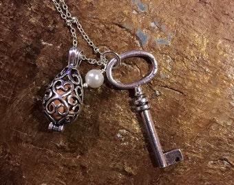 Silver Key Oil Diffuser Necklace