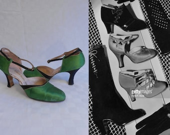 Trip This Light Fantastic - Vintage 1930s Emerald Green & Black Silk Satin Ankle Strap Heels Pumps Shoes - 5/5.5