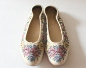 50% half off sale // Vintage 90s FLORAL Tapestry Ballet Flats // Women 8 Narrow // The Extra Depth Shoe
