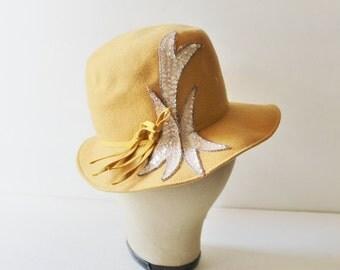 30% off sale // Vintage Mustard Yellow Hat - 60s - Mod - Bucket Style - Glenover Richard Original