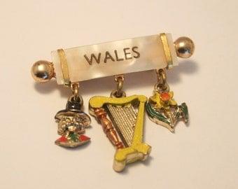 Vintage Welsh souvenir brooch.   Souvenir of Wales