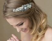 Bridal hair comb, Bridal Hair piece, Pearl hair comb, Pearl hair piece, Wedding hair piece, Bride hair accessory, Wedding hair accessories