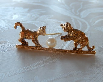 Vintage Kitten Pin, Playing Kitty Pin, Two Cats and Ball, Brooch, Gift Idea