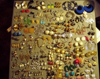 Vintage Lot 75 Pairs Pierced Earrings 7 Pairs Screw Backs & 35 Pairs Clip Earrings 8674