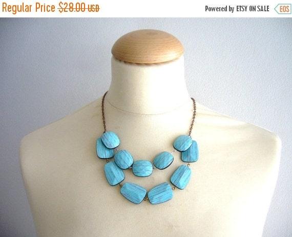 Turquoise necklace imitation wood