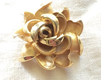 Fabulous Large 3D Rose Flower Brooch Pin Vintage Goldtone