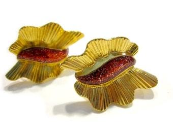Vintage Wavy Gold Red Glitter Clip Earrings Holiday Gift for Her Gold Red Earrings Gift for Mom