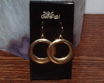 Vintage Kim Craftsmen gold tone pierced Earring from Wood Stock era