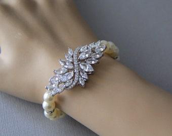 Cubic zirconia with Swarovski pearls bracelet, bridal bracelet, wedding bracelet, bridal jewelry, wedding jewelry, bridesmaid, elastic