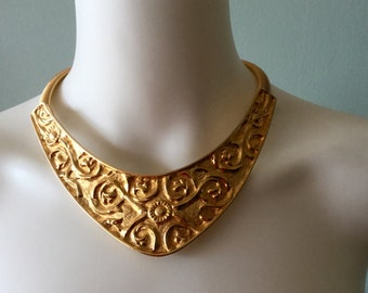 Fantastic Vintage  Alexis Kirk Good Bib Choker necklace
