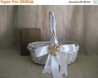 Happy 4th with 40% Off Cottage Chic Basket with Vintage Avon Heart for Wedding, Reception Decor / White Basket for Favors or Programs w/ Kee