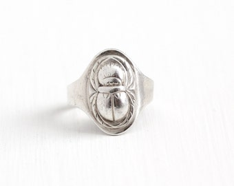 Vintage Sterling Silver Repousse Scarab Egyptian Revival Ring - 1940s Retro Stylized Ancient Beetle Bug Adjustable Figural Statement Jewelry
