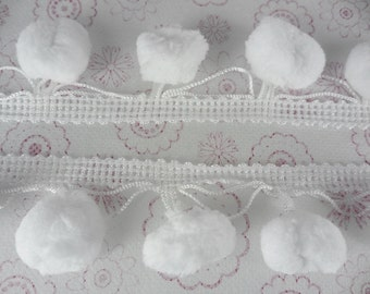 White Jumbo Pompom 20mm Bobble Ball Fringe Dangling Trim Embroidery Sewing Woven 2 Yards