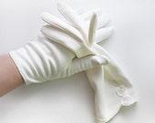 Van Raalte Gloves in White, Wrist Length, Size 7