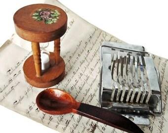 Lot Vintage Kitchen Implements/ Boiled Egg Slicer/ Wooden Serving Spoon/ Wooden Hour Glass Egg Timer