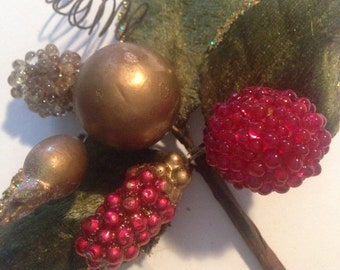 LUSCIOUS RED & White Sparkling Berries with Gold Balls, on Lovely Wired Leaves!