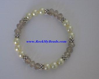 Creme Pearls and Tan Crystal Bracelet,bracelet,jewelry,women bracelet,beaded bracelet,bridesmaid bracelet,pearl bracelet,crystal bracelet