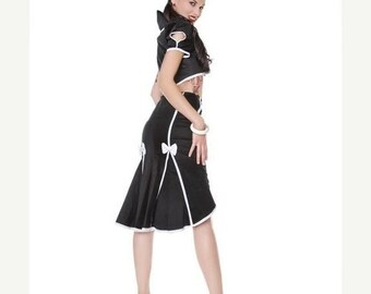 25% OFF Black fishtail skirt with white seamed detail and bows.