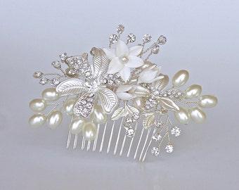 Pearl Hair Comb Silver, Silver Bridal Haircomb, Silver Flower & Pearl Hairpiece, Bridal Hair Clip GABBY