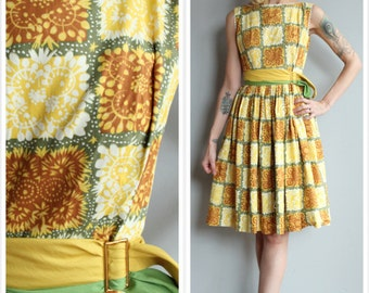 1950s Dress // New England Spring Dress // vintage 50s dress