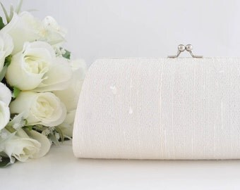 IVORY Dupioni SILK Clutch - Wedding clutch, Bridal clutch, Bridesmaid's clutch, Mother of the bride