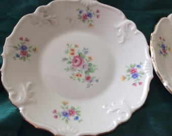 Two small porcelain plates Schwartzenhammer 38 Germany/similar but not the same/gold trim/no flaws
