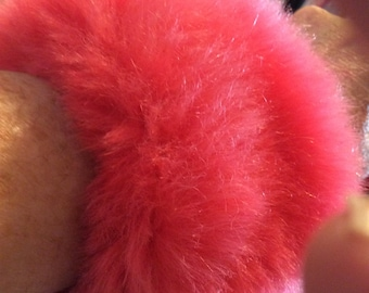 Faux fur cuffs New condition soft elasticized fits all Hot pink/fuchsia/Lined in satin
