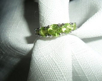 Vintage Peridot Sterling Silver Ring Size 6