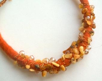 Felt necklace - Wool, amber, copper -  Handmade - Wool necklace