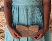 GIRL Clutch 1950's Vintage Bridal Evening Bag Formal Faux Pearl Bow Elegant Handbag Cream