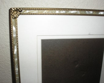 "Vintage;Mother of Pearl Picture Frame 7.5""x10"""